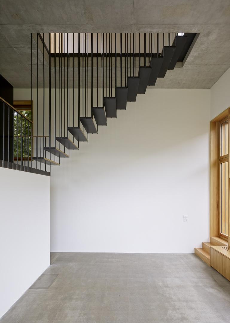 Der zweigeschossige Wohnraum © Ariel Huber, Edit, Brauerstrasse 45 8004 Zürich
