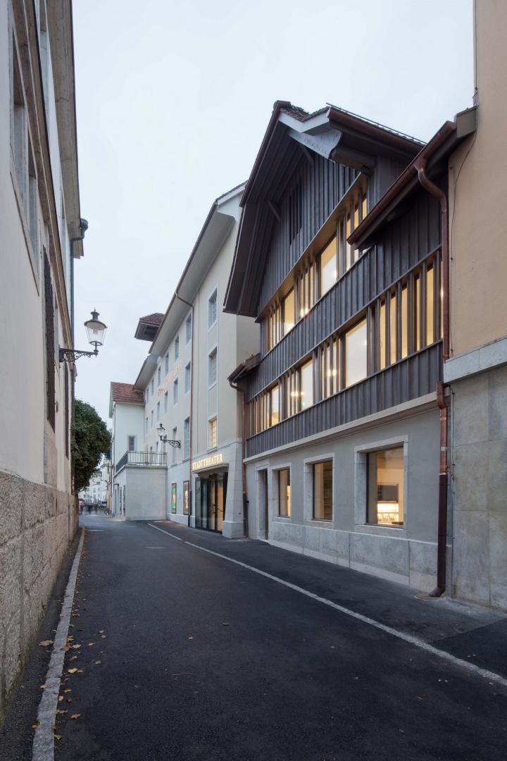 Stadttheater_Südfassade_mit_Haus_Krieg.jpg © Johannes Iff, St. Urbangasse 1, 4500 Solothurn