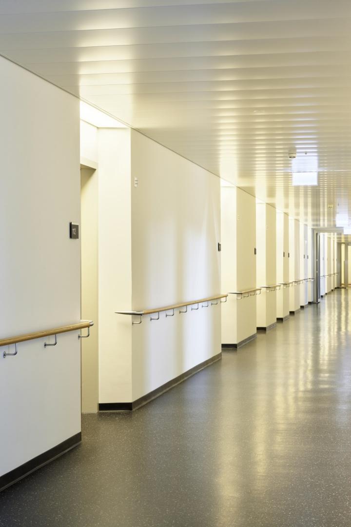 Eingänge Patientenzimmer © Hannes Henz, Zürich