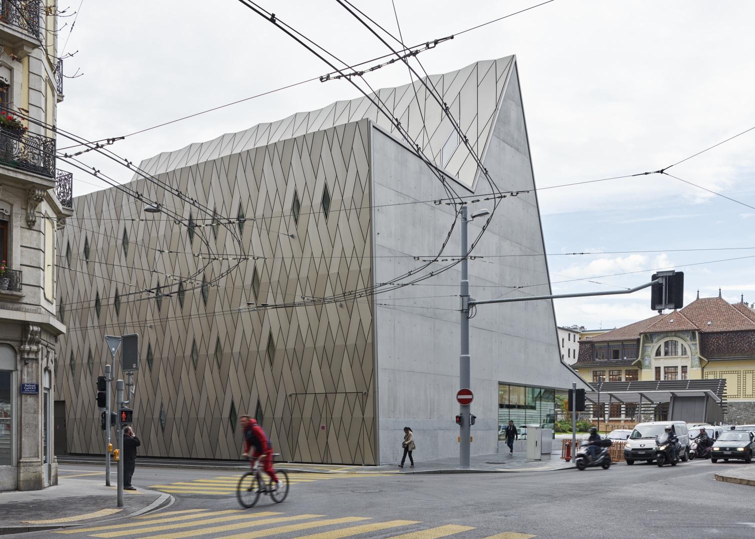 Fassade Rückseite © Leo Fabrizio, Lausanne