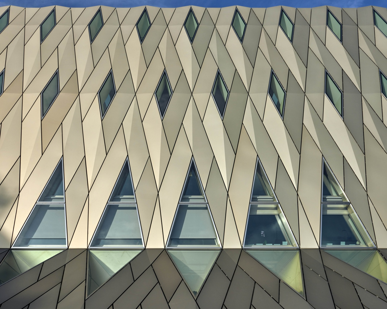 Dachansicht © Leo Fabrizio, Lausanne