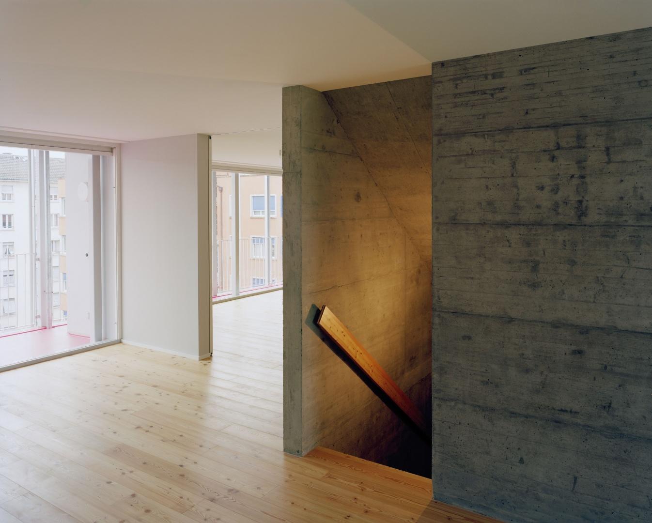 6e étage maisonette: halle, escalier, maisonette © Joël Tettamanti