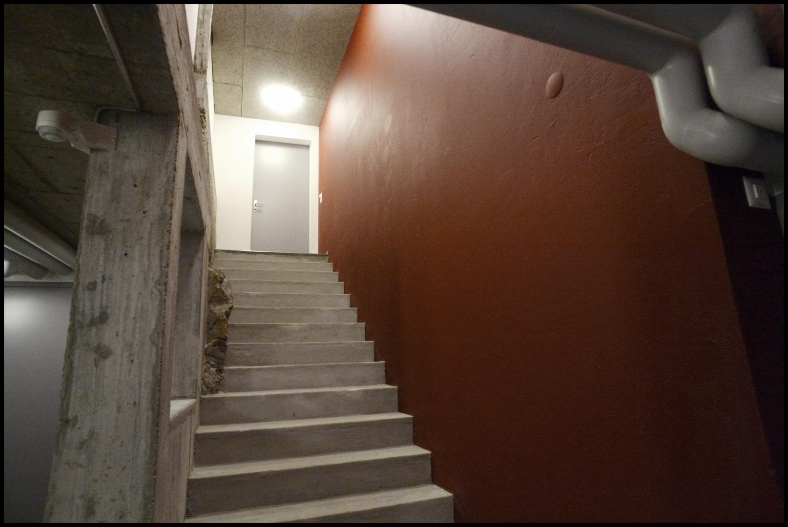 Aufgang in die umgebaute Scheune © ARCHmark HOFSTETTER, Glarus