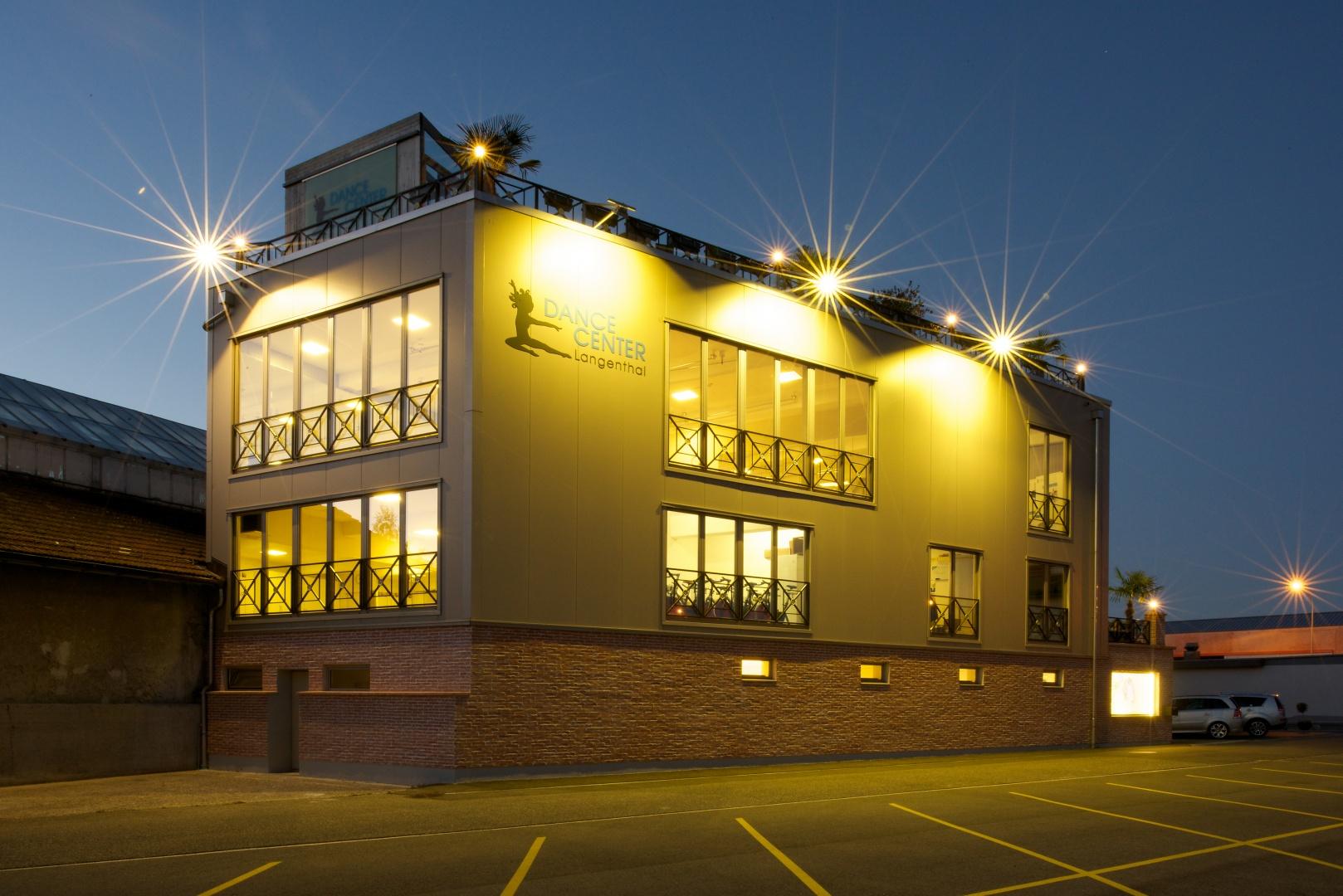 Nachtansicht Fassade © Reto Meier, Kirchberg