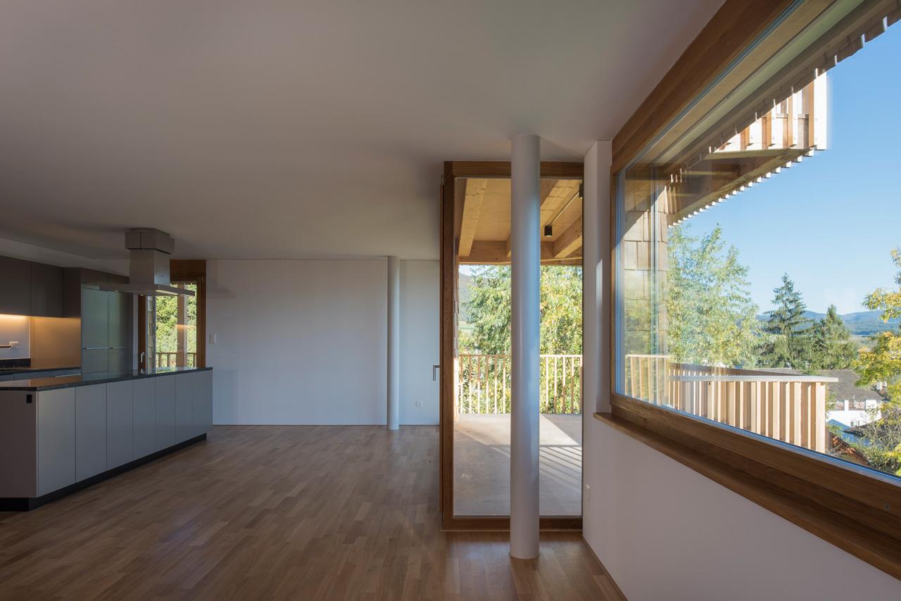 salle à manger avec balcon © Adrien Barakat, Lausanne