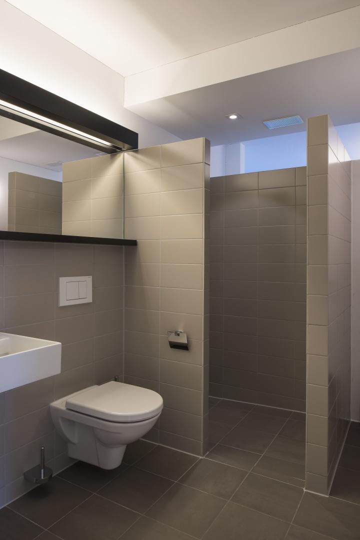 WC avec douche © Adrien Barakat, Lausanne