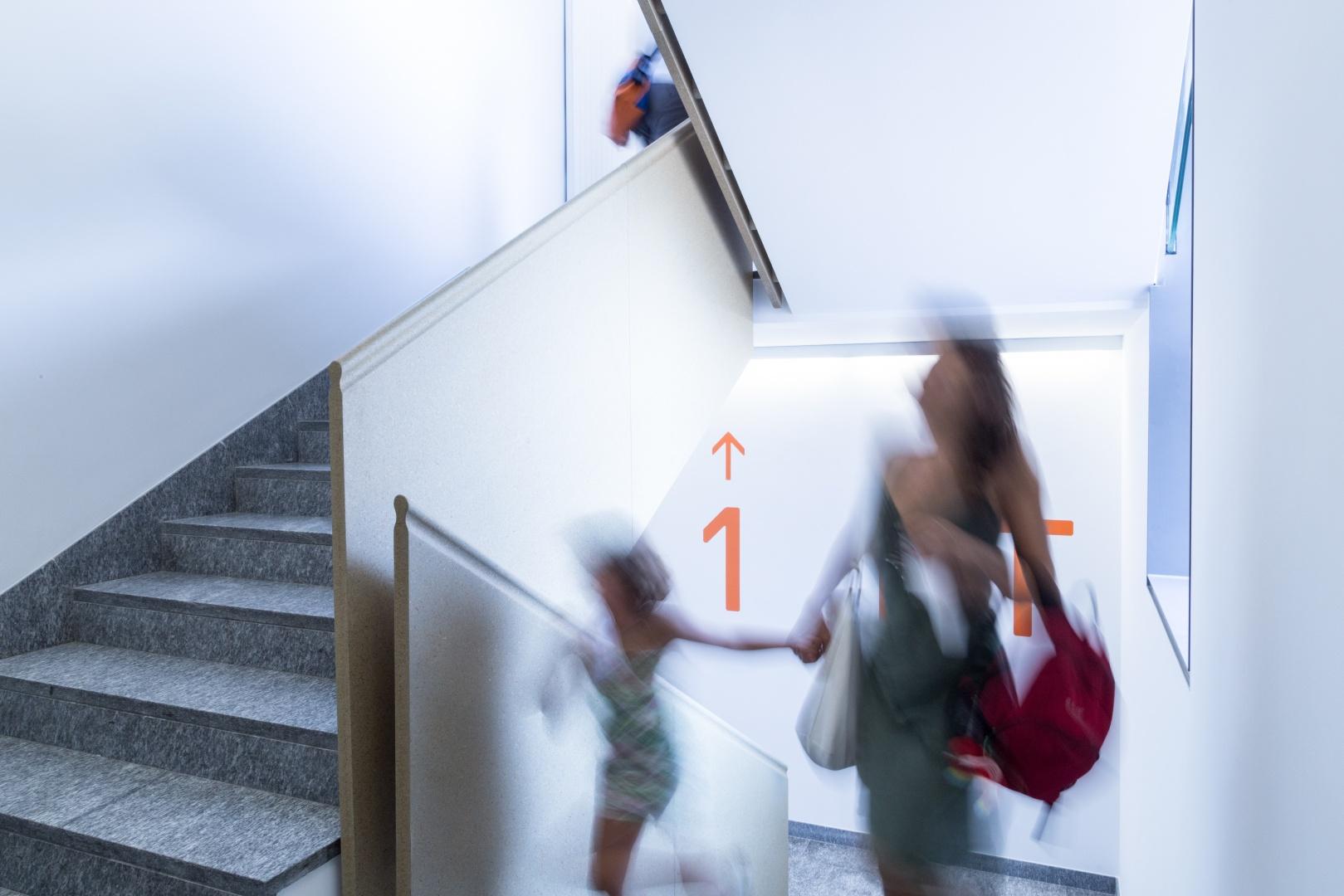 scala d'accesso ai piani © Buletti Fumagalli e Associati sagl