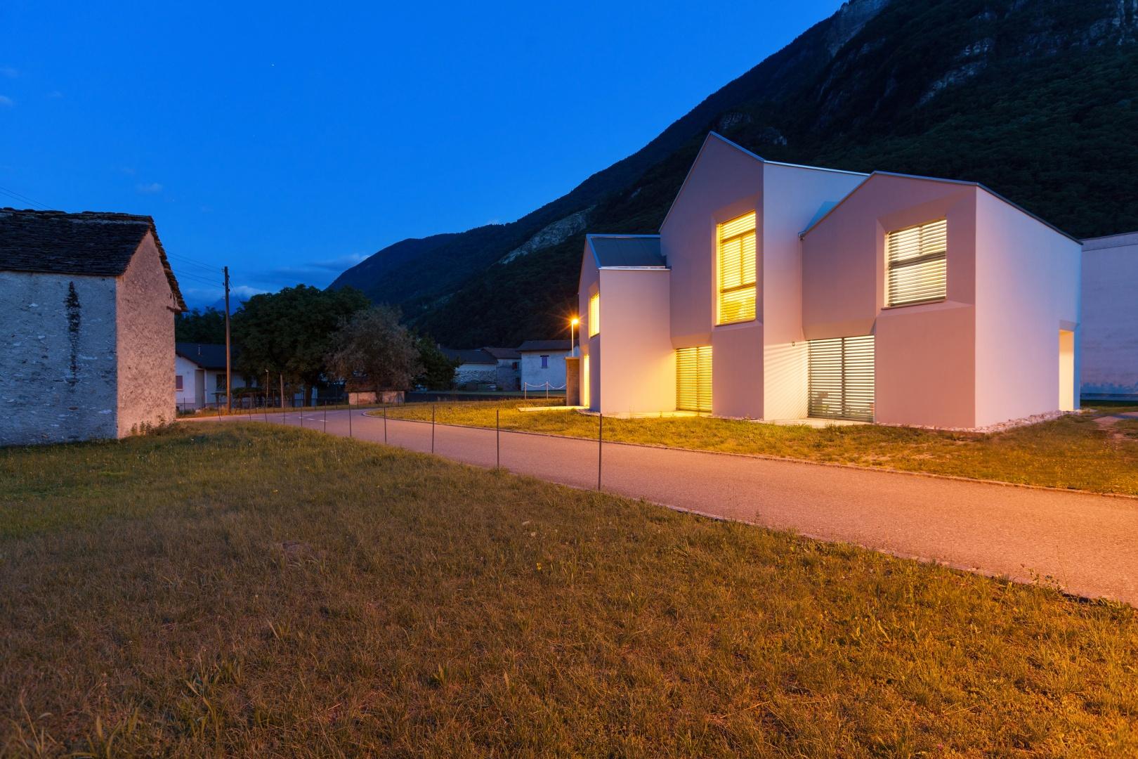 Nachtansicht Nordosten und Kontext  © Alexandre Zveiger, Lugano, CH