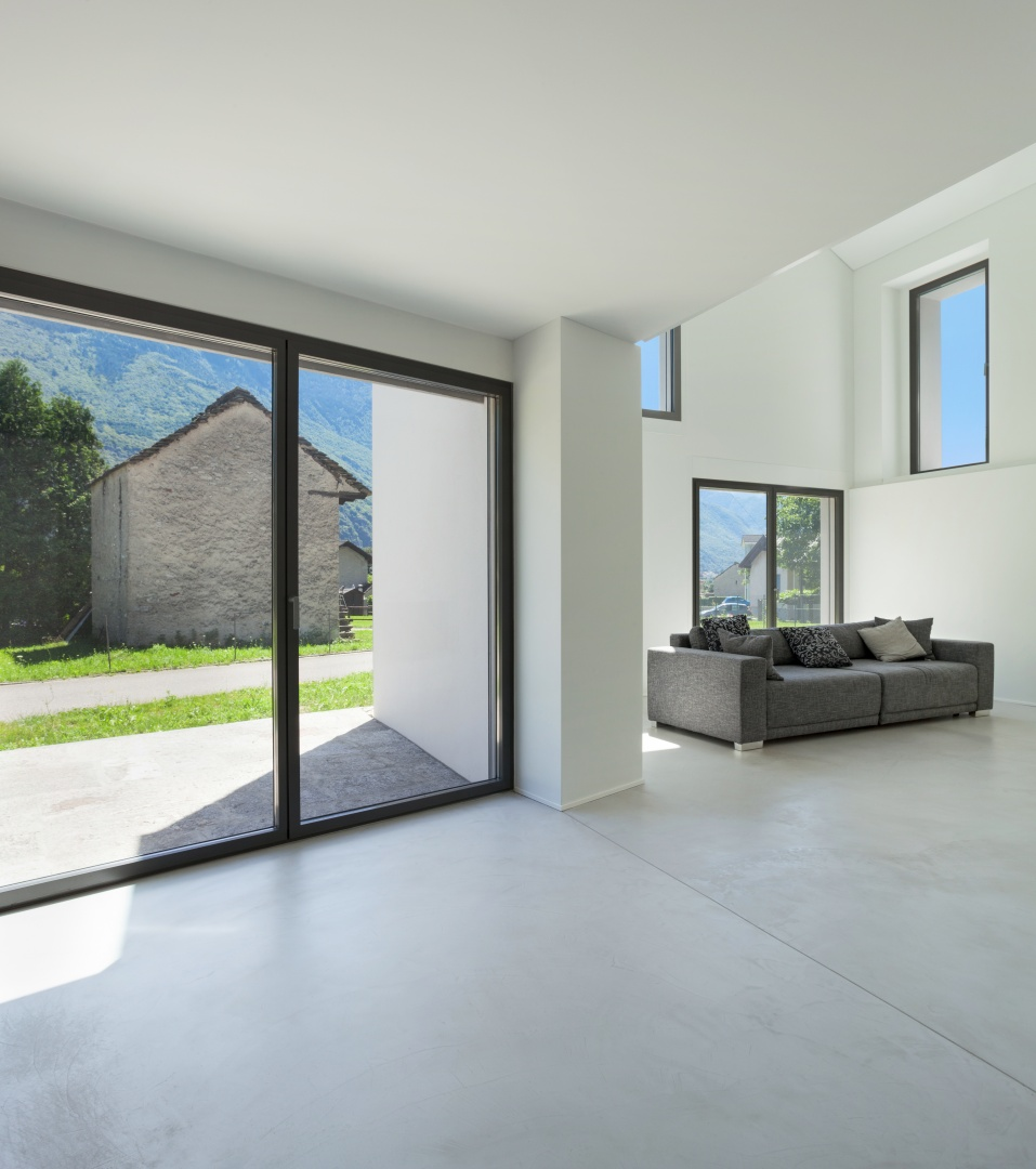 Innenraum Wohnzimmer und Terrasse  © Alexandre Zveiger, Lugano, CH