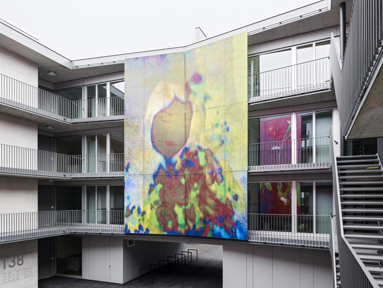 Hof - Schiebeelemente geschlossen © Georg Aerni, Sihlquai 268, 8005 Zürich
