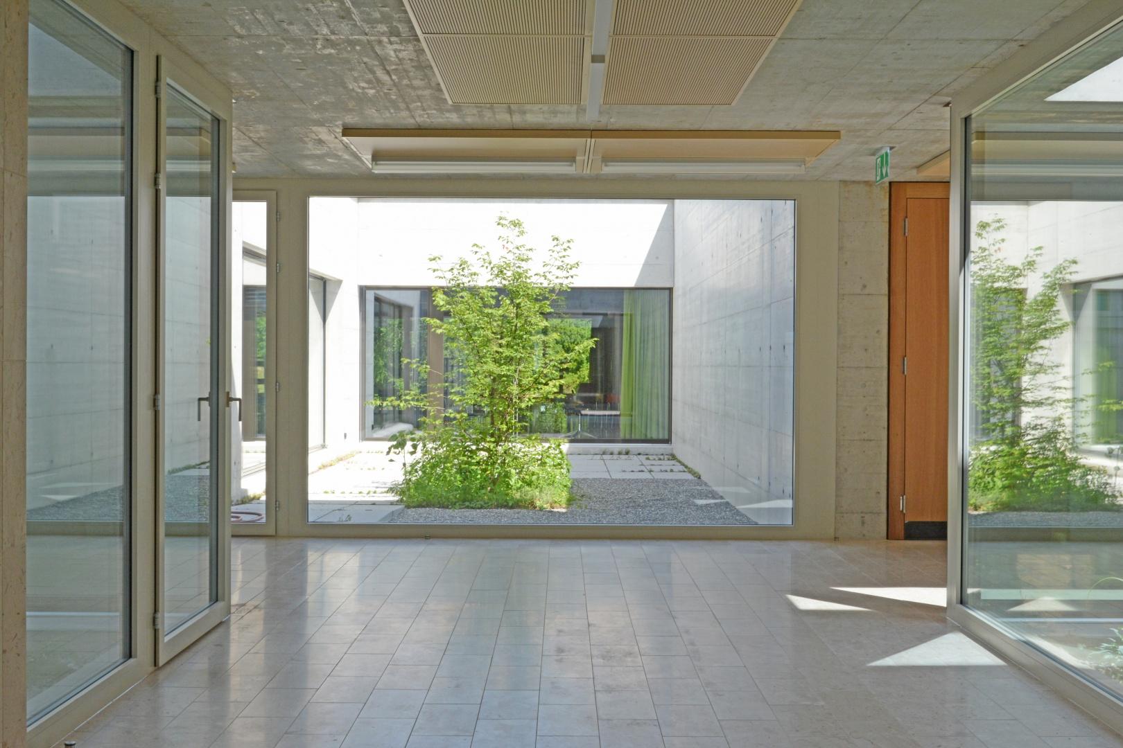Querverbindung Altbau zu Erweiterungsneubau © Hopf & Wirth Architekten, Rychenbergstrasse 2,  8400 Winterthur