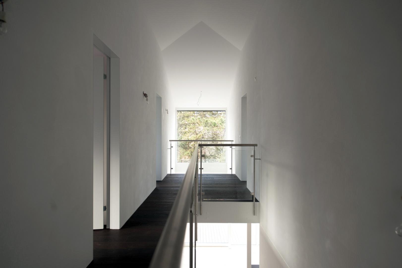Treppenraum mit Galerie © Juho Nyberg Architektur GmbH, Forchstrasse 30, 8008 Zürich