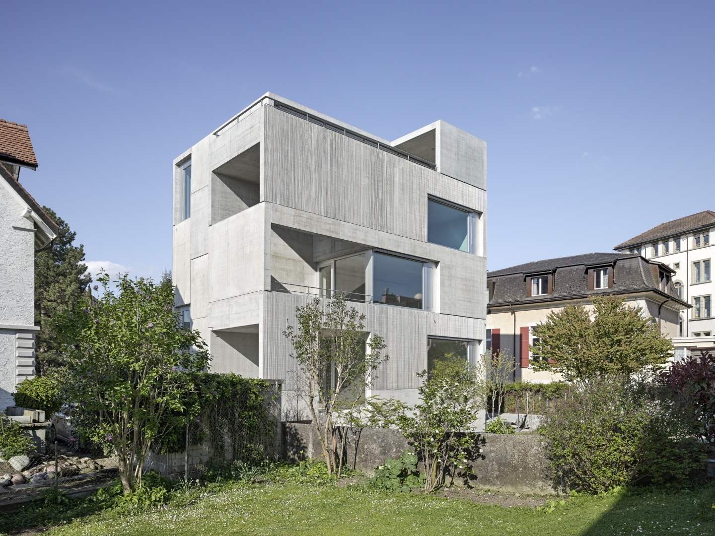 Roh und direkt wohnhaus in uster arc award for Design house architecture hamilton