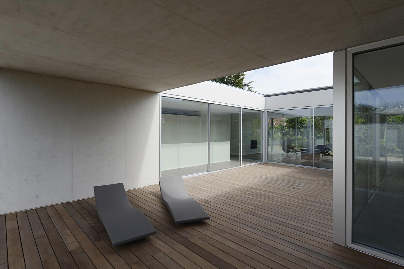 Patio © Leo Fabrizio, Lausanne