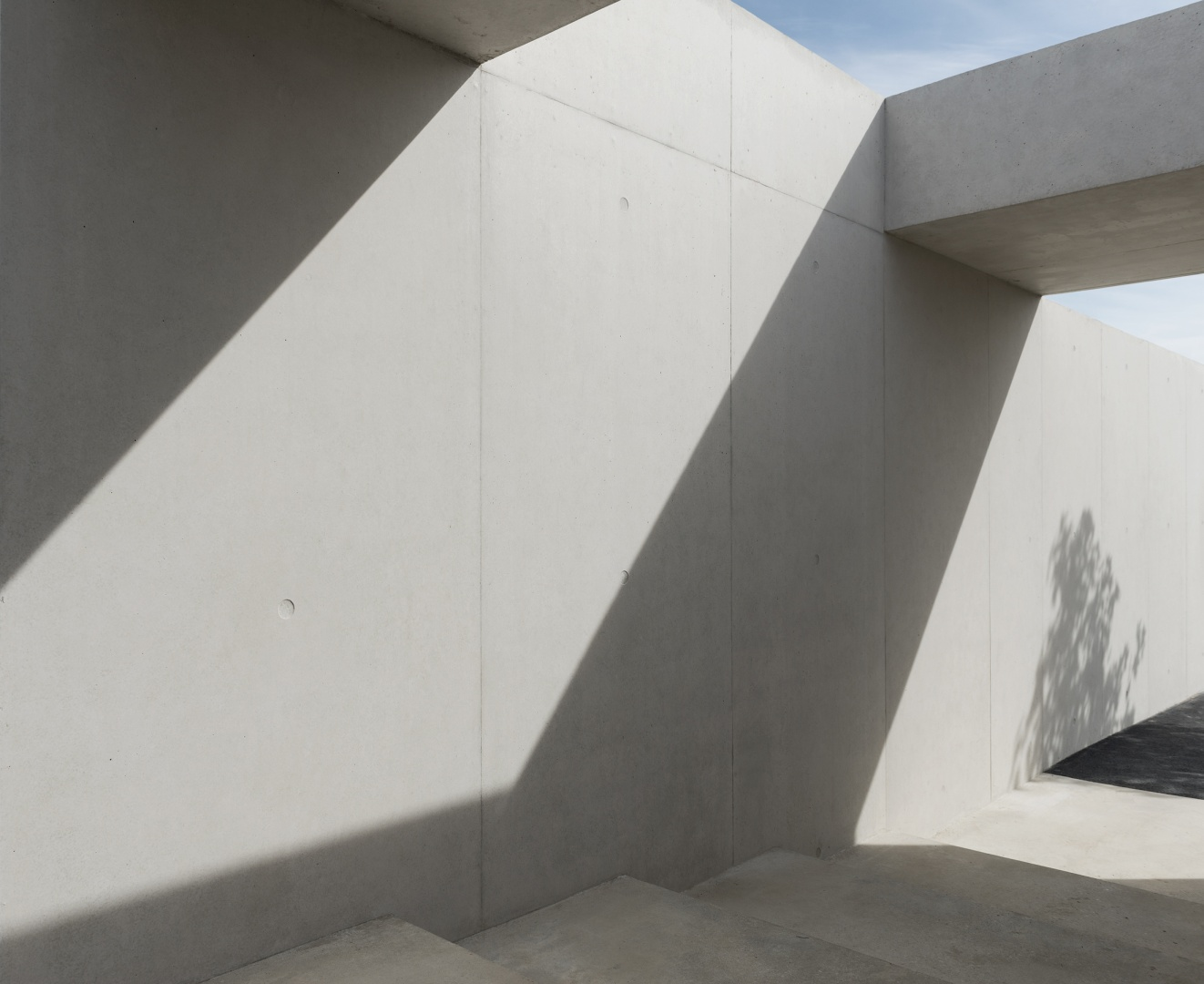 Eingangstreppe © Leo Fabrizio, Lausanne