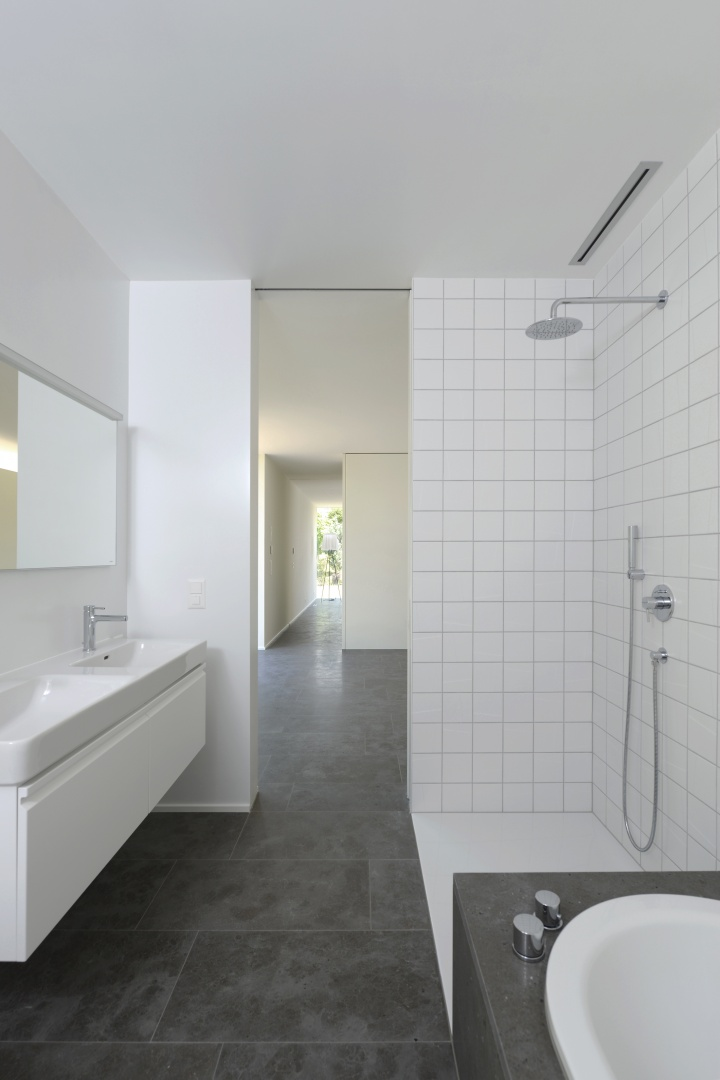 Badezimmer © Leo Fabrizio, Lausanne