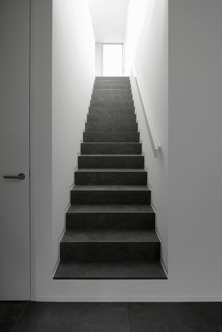 Treppe im Untergeschoss © Leo Fabrizio, Lausanne