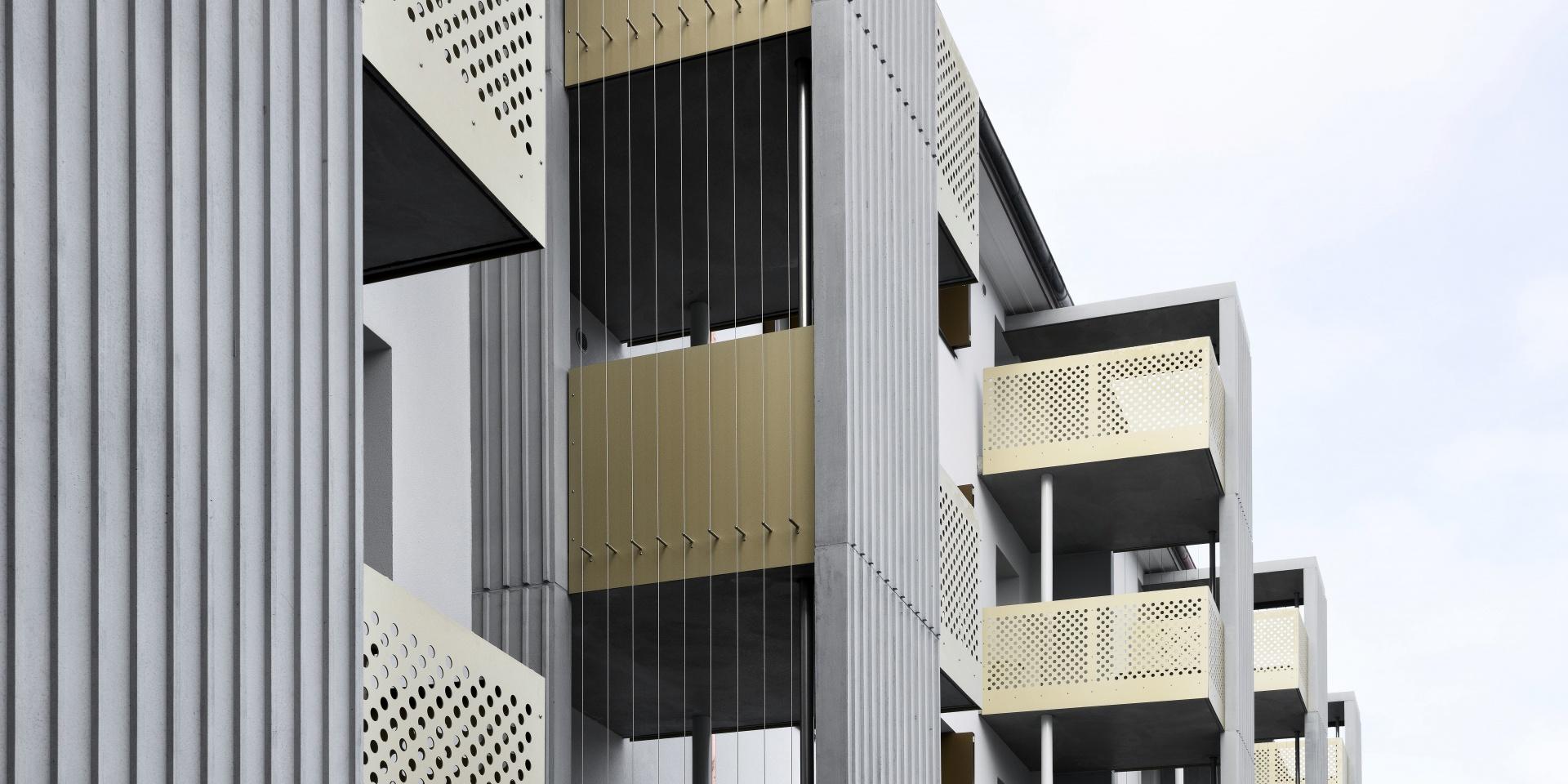 Ostseite, Balkontürme © René Rötheli, Baden
