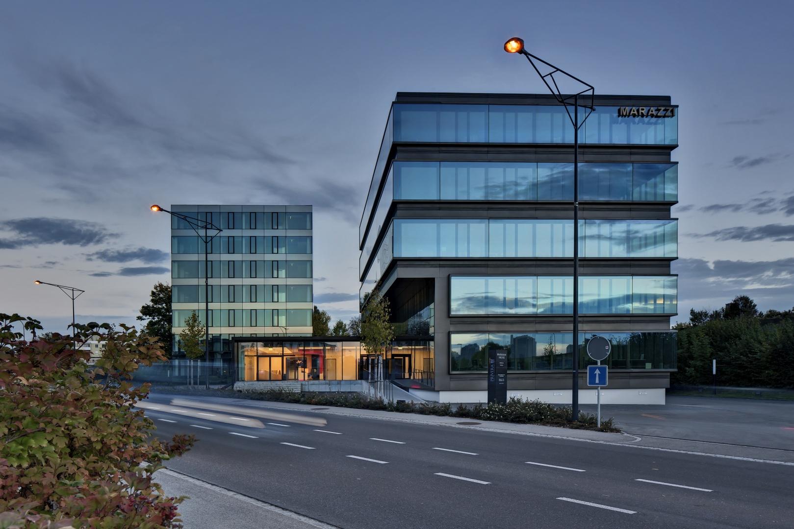 Ensemble mit saniertem Büroturm (l) und Neubau © RENÉ DÜRR ARCHITEKTURFOTOGRAFIE, SCHWANDENHOLZSTRASSE 228, 8046 ZÜRICH