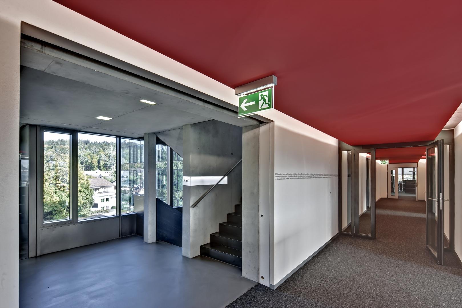 Treppenhaus und Gang im Neubau © RENÉ DÜRR ARCHITEKTURFOTOGRAFIE, SCHWANDENHOLZSTRASSE 228, 8046 ZÜRICH