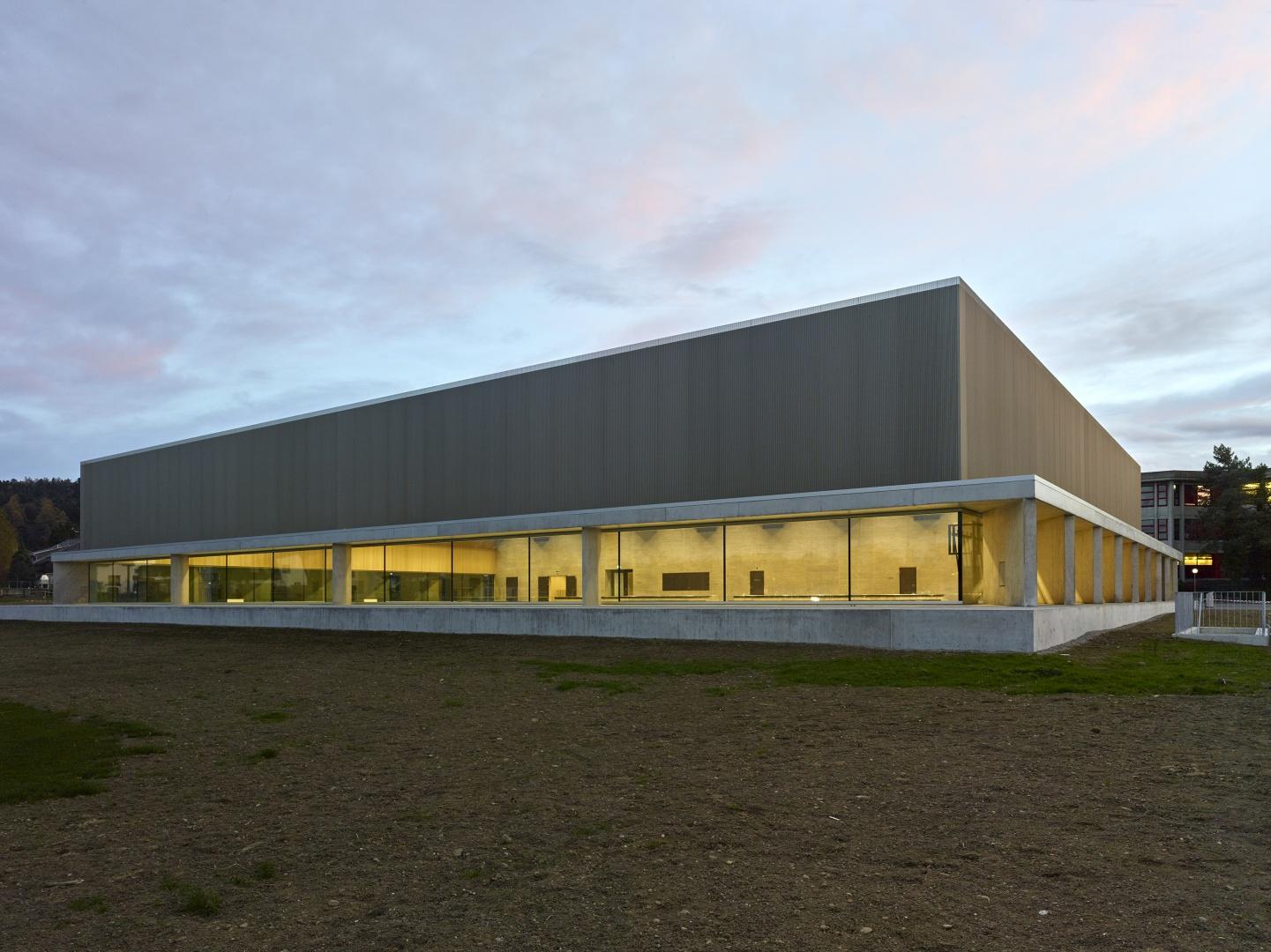 Neubau sporthalle aadorf schweizer baudokumentation - Graf architekten ...