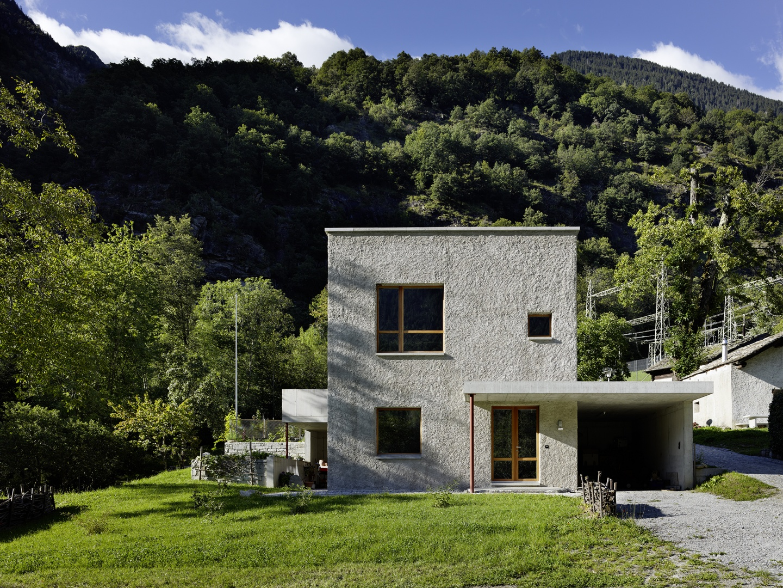 einfamilienhaus in castasegna schweizer baudokumentation. Black Bedroom Furniture Sets. Home Design Ideas
