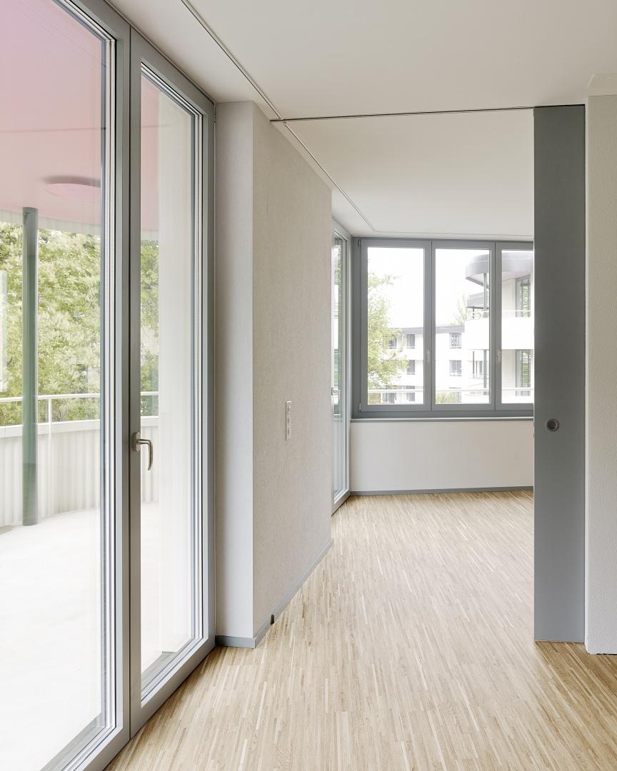 Bewegung entlang der Fassade © Roland Bernath, Fotografie Architektur, Zürich