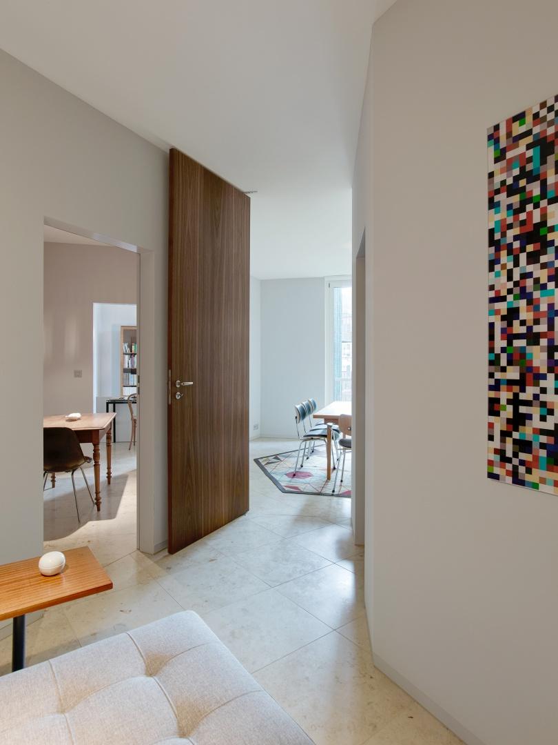 Blick vom Entrée in den Wohnraum  © Roland Bernath, Fotografie Architektur, Zürich