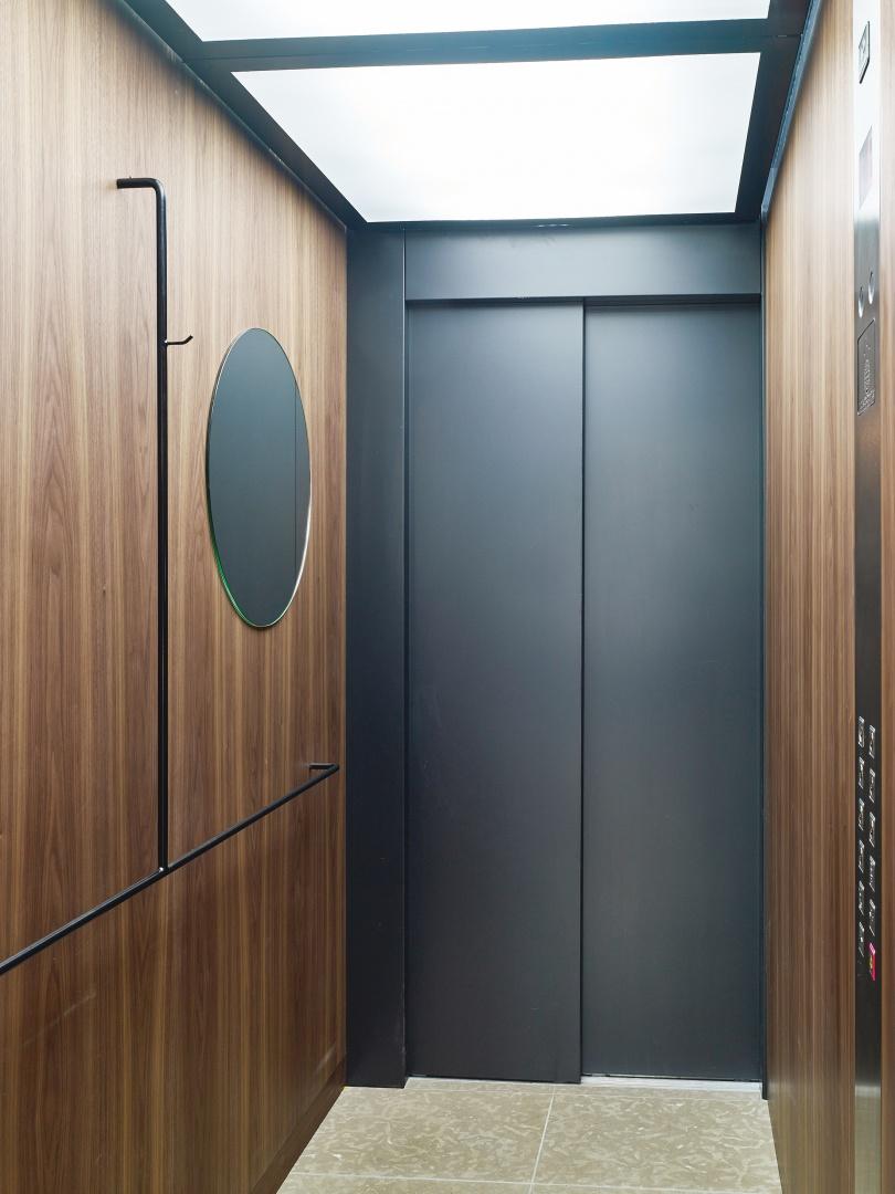 Direkte Erschliessung über Lift © Roland Bernath, Fotografie Architektur, Zürich