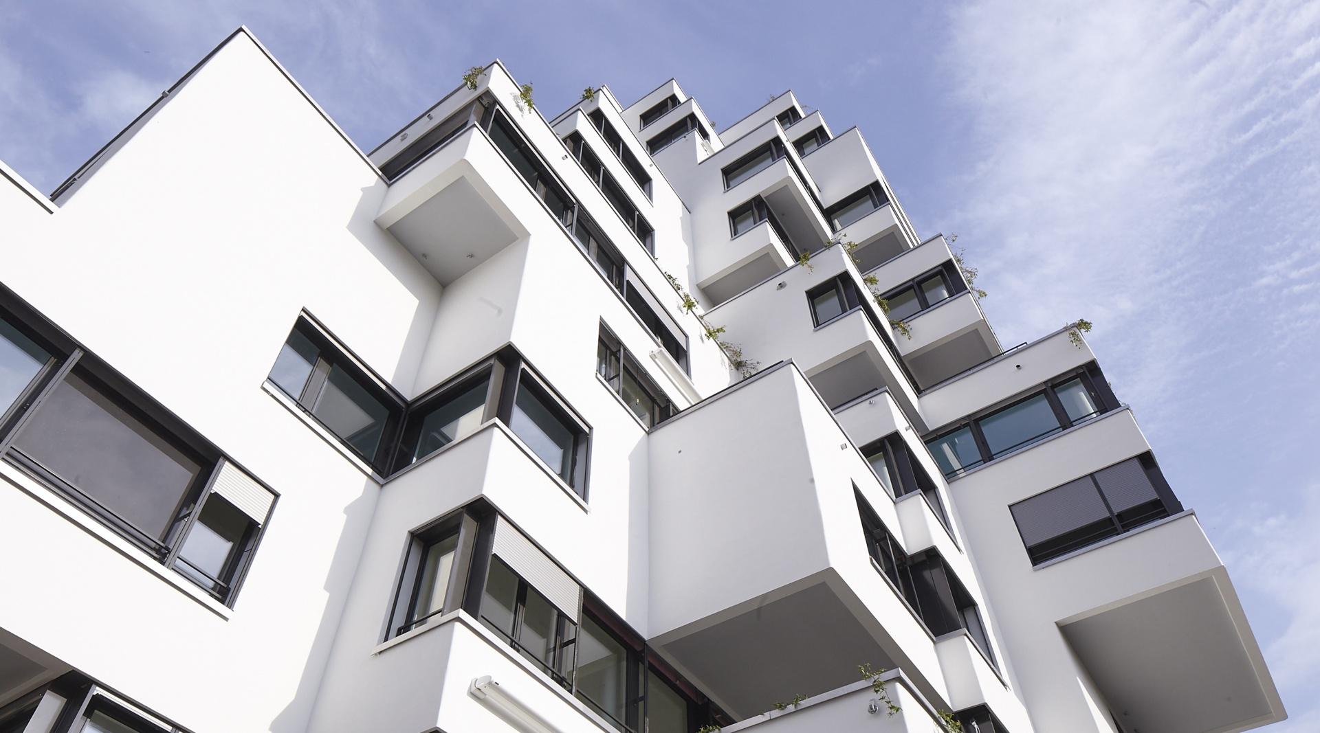 Stollturm Volumenstaffelung © Architektur Rolf Stalder AG / Maria Gambino