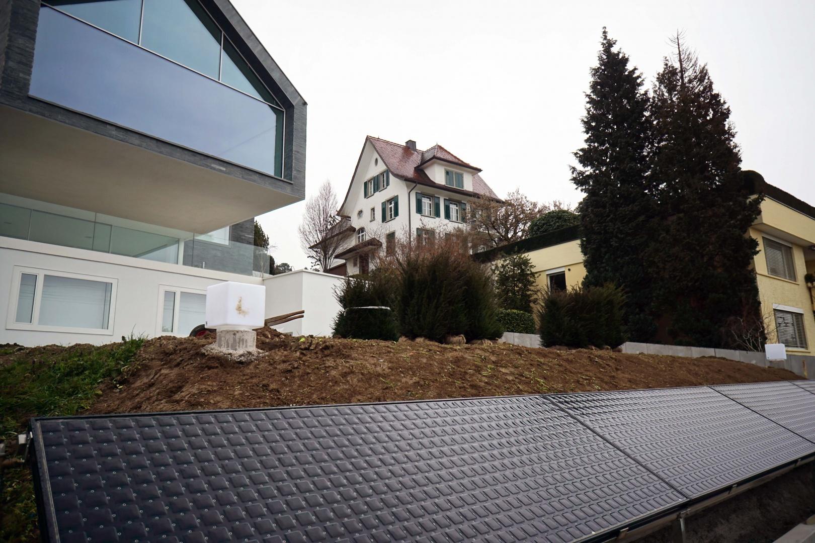 Solaranlage © Nori-SASAKI  Hagenholzstrasse 104a 8050 Zürich