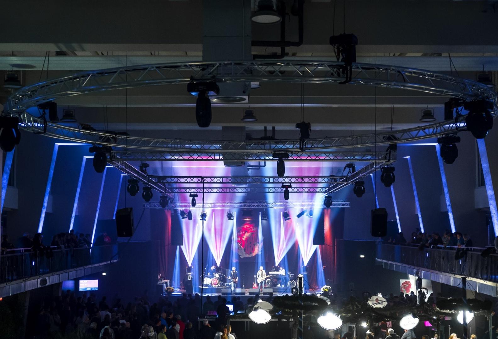 Markthalle, Halle während Anlass © Manuel Stettler, Fotograf, Burgdorf