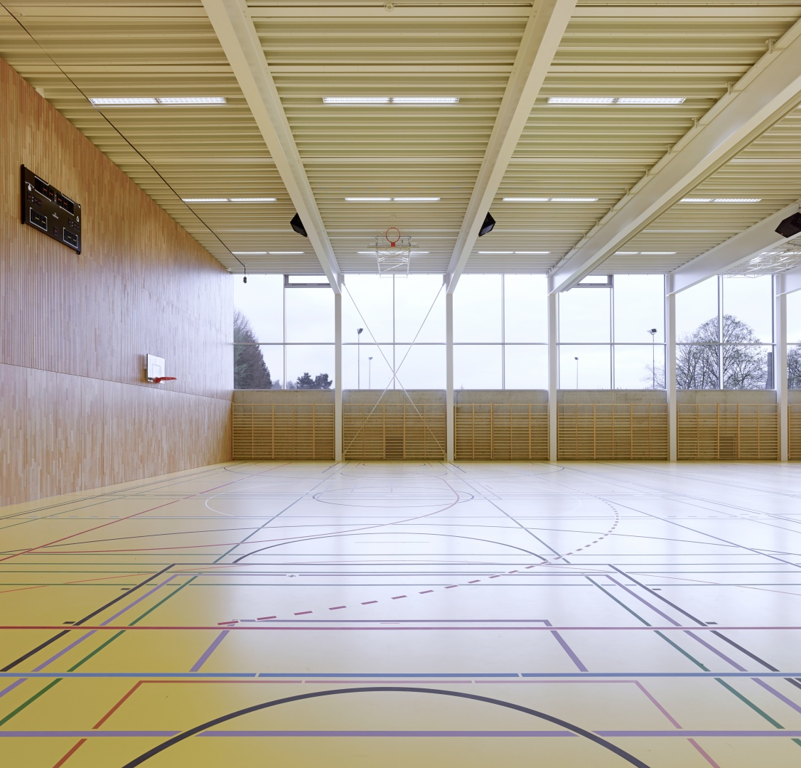 Halle Fussballplatz © Architekturfotografie Gempeler Alexander Gempeler Fotograf SBF|SWB Seidenweg 8a Postfach 524 CH-3000 Bern 9