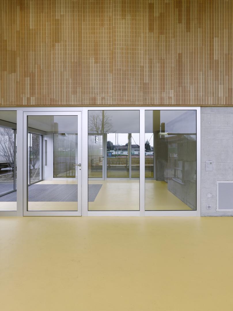 Eingang © Architekturfotografie Gempeler Alexander Gempeler Fotograf SBF|SWB Seidenweg 8a Postfach 524 CH-3000 Bern 9