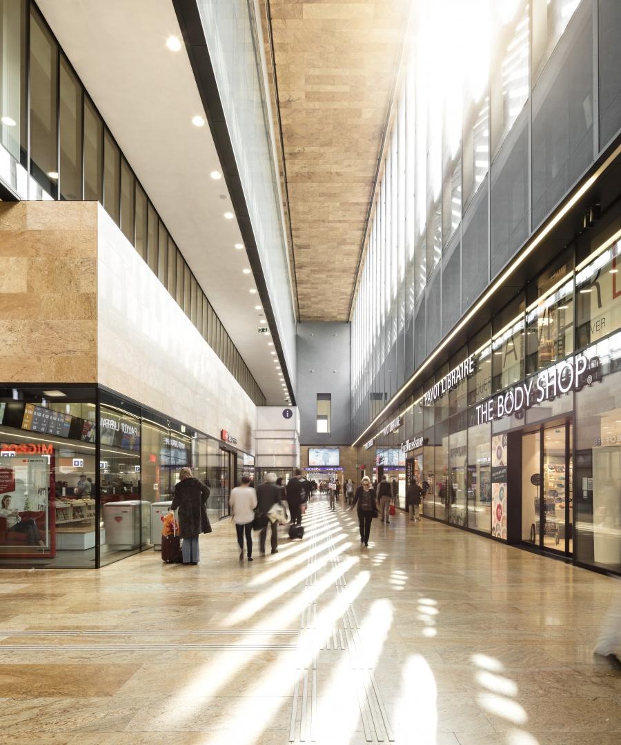 Mall - guichet CFF © Fernando Guerra, Lisbonne
