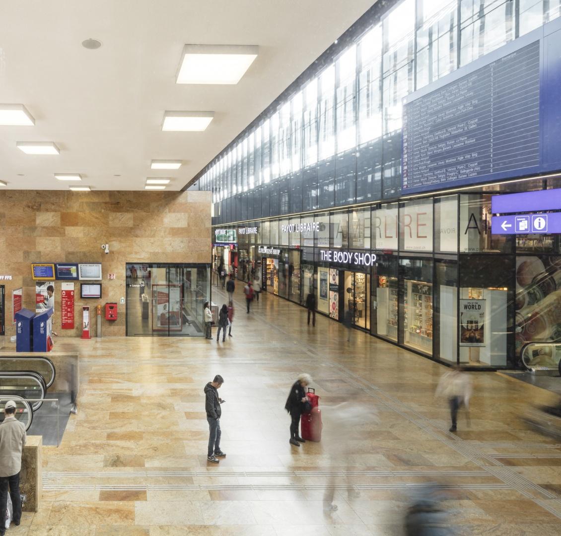 Mall mit Sicht zu den Läden © Fernando Guerra, Lisbonne