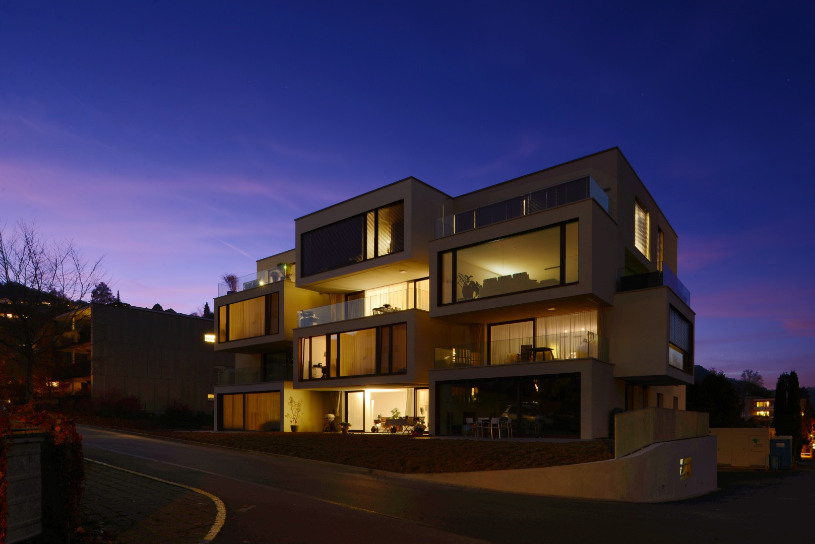 GEBÄUDE NACHT_1 © Daluz Gonzalez Architekten