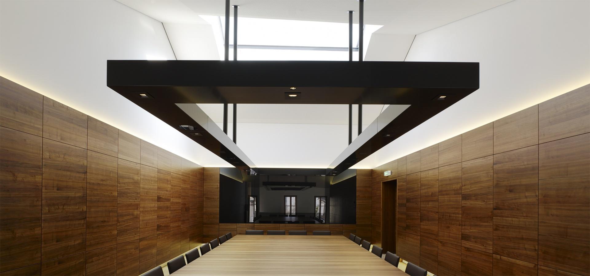 Konferenzraum © John MacLean, London