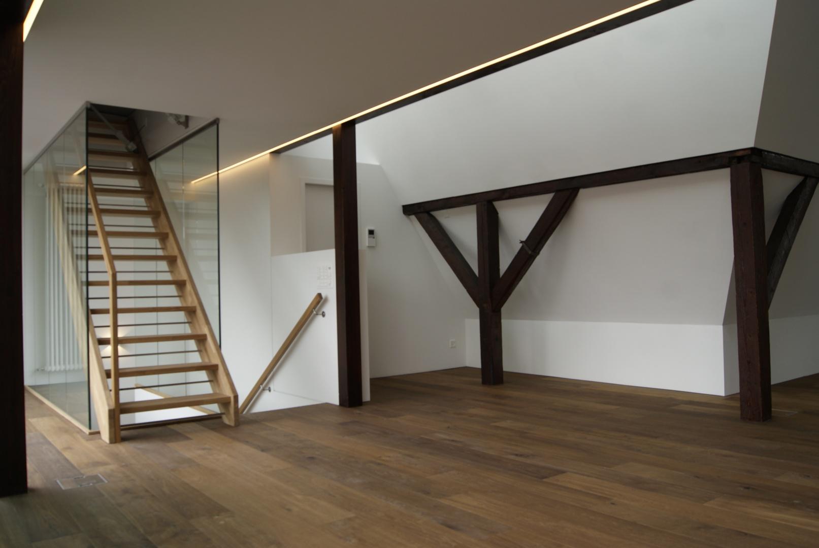 Dachgeschoss Richtung Treppe © Staffelbach Meier Architekten