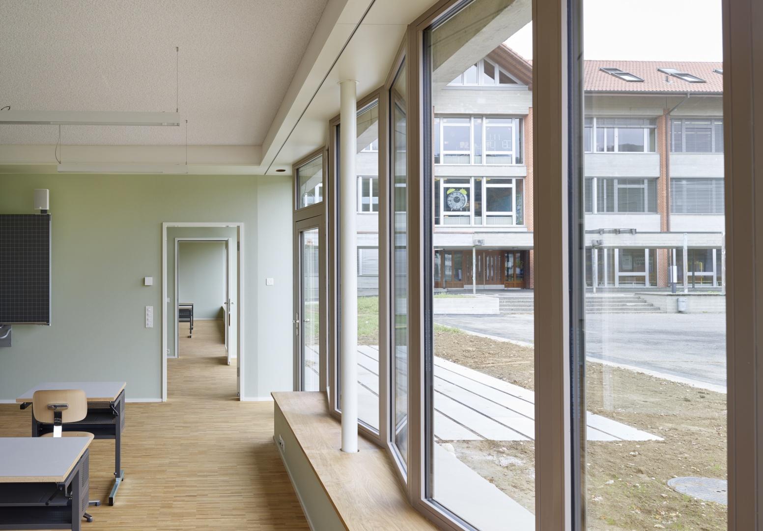 salle de classe, fenêtre © Michael Fritschi, foto-werk gmbh,  Klingelbergstrasse 97, 4056 Basel