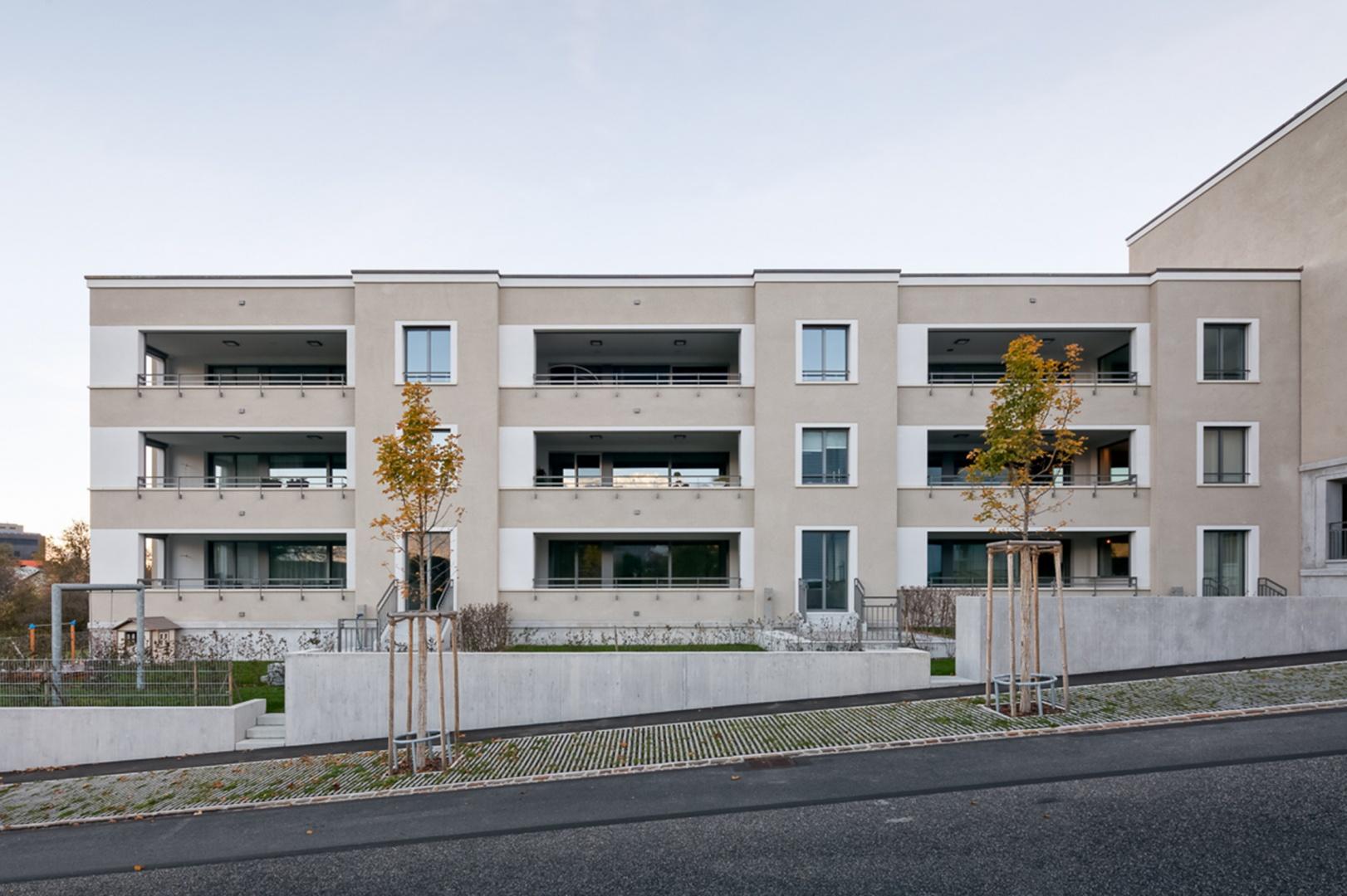 Neubau mehrfamilienhaus lehenwies arc award for Mehrfamilienhaus neubau