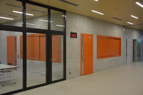 Foyer: Sicht zu Aufenthalt und Officeausgabe © Bandel Lothar, Montlingen