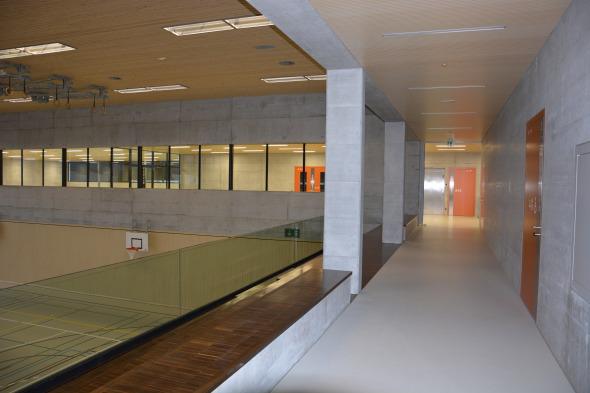 Galerie: Sicht zur Tribüne und Ringertrainingsraum  © Bandel Lothar, Montlingen