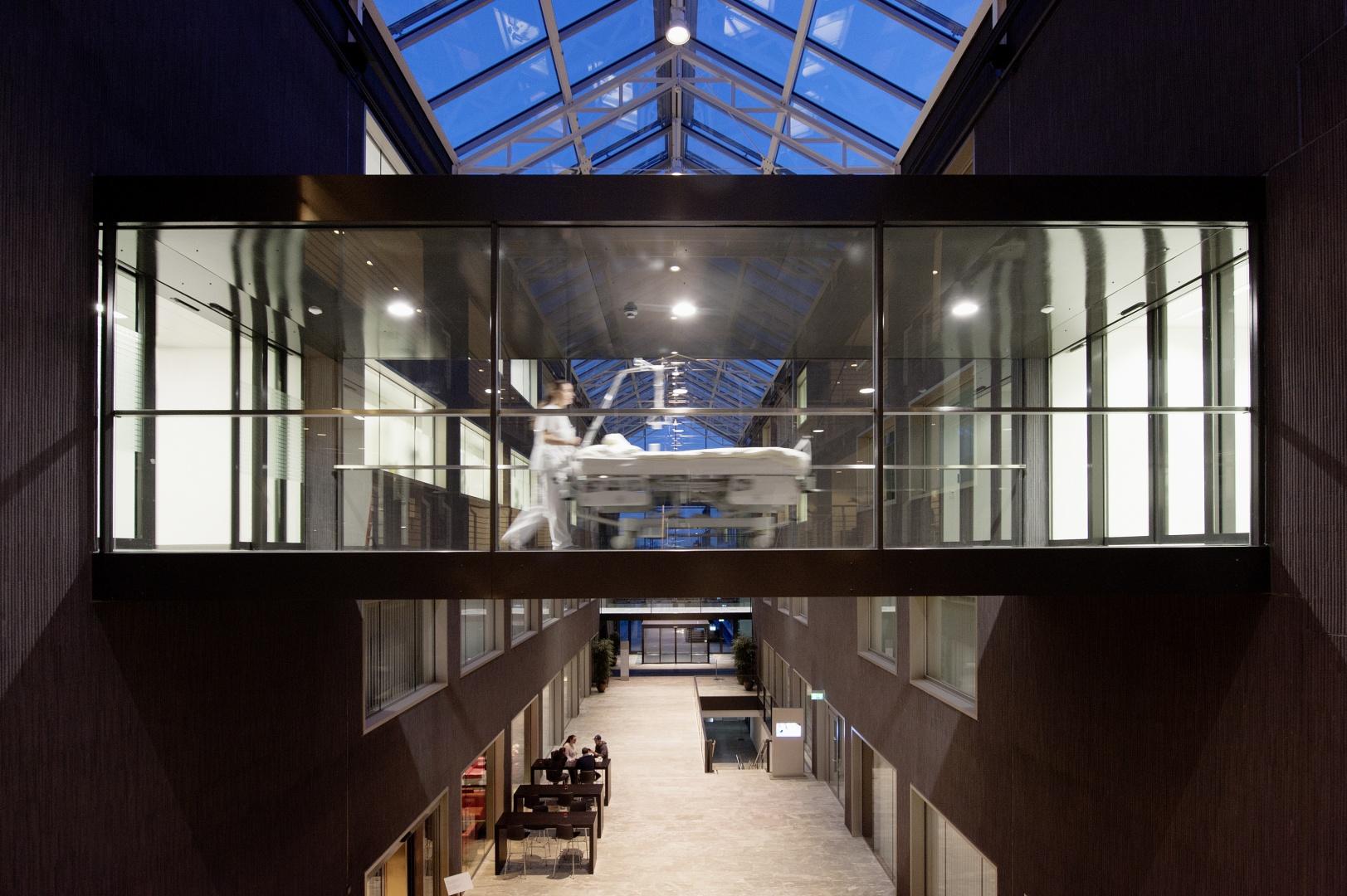 Innere Halle Bettenbrücke © Schulthess Klinik