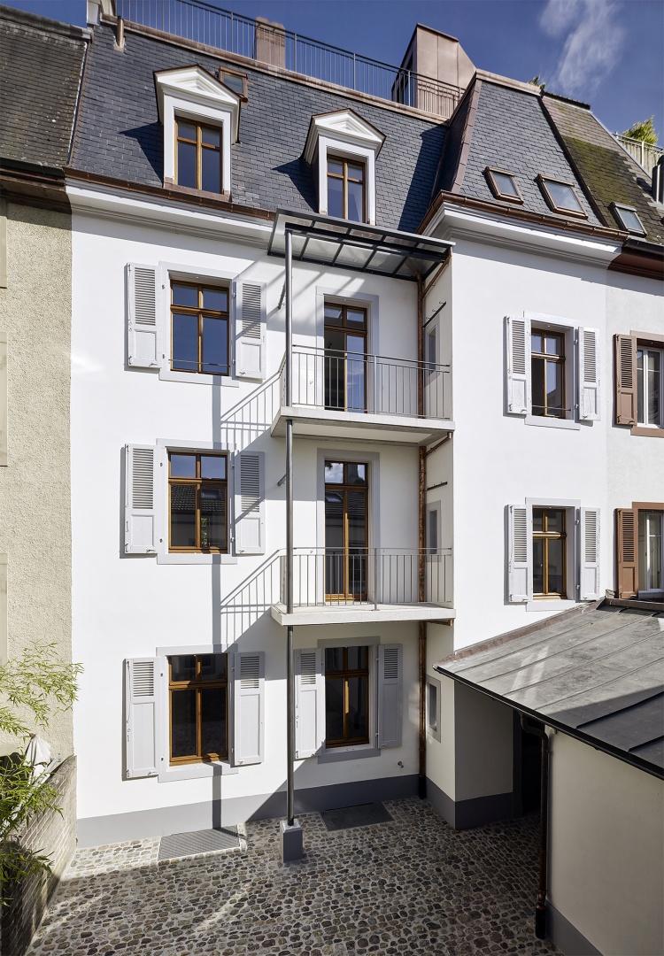 Vue de cour © Ariel Huber, Lausanne