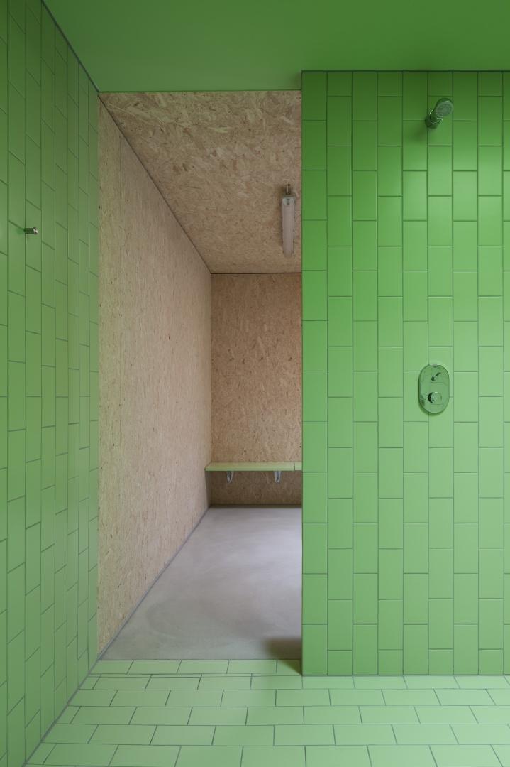 Dusche-Garderobe © Børje Müller