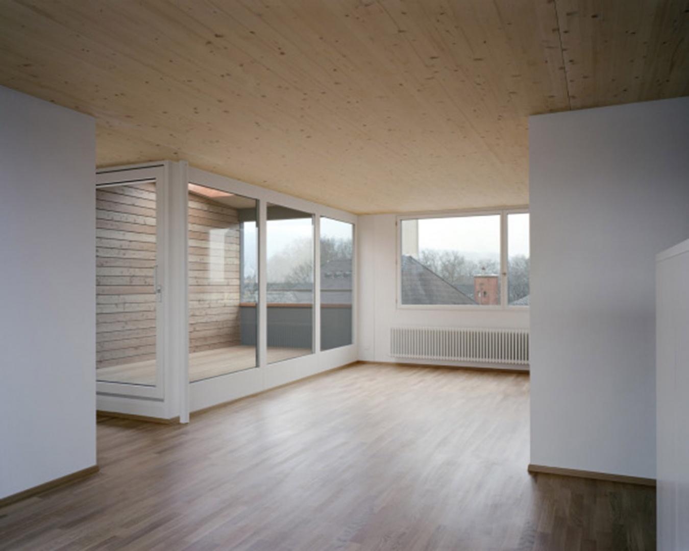 Neue Dachwohnung mit Loggia © Rolf Schaffner Architekt