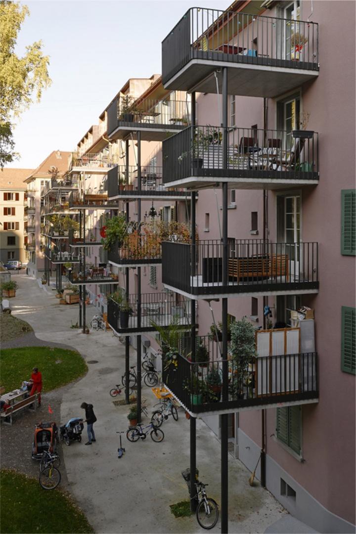 Zuwendung zur Hofseite © Rolf Schaffner Architekt