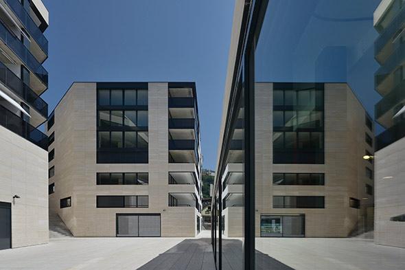 Extérieur Place © Pierre Boss