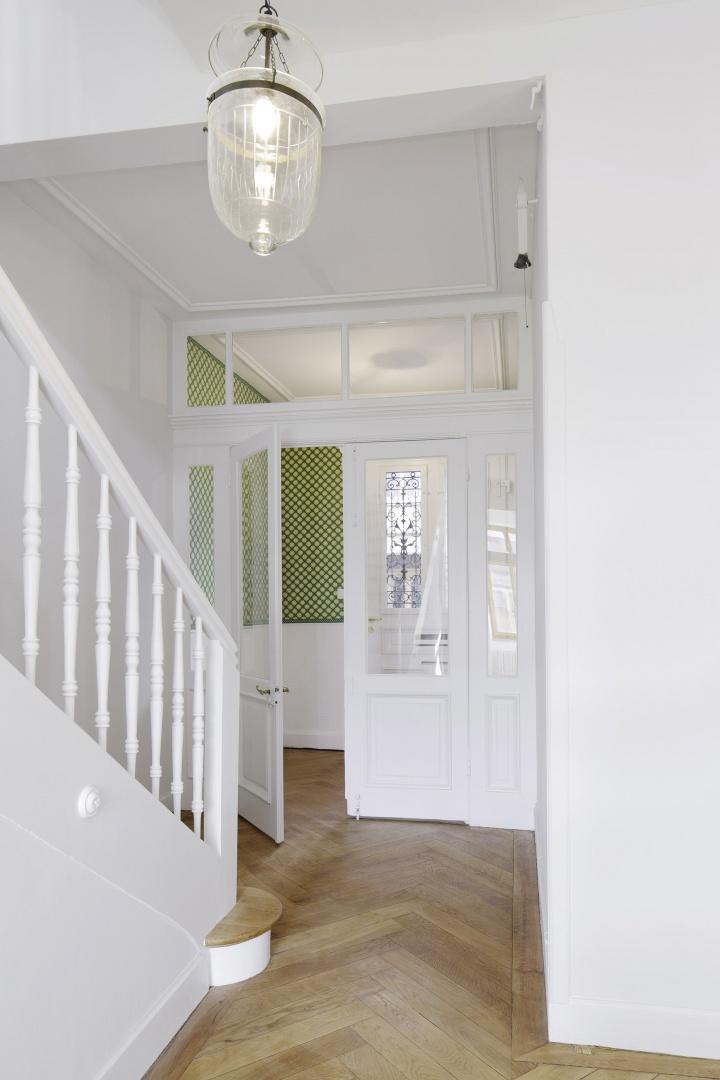 Eingang/Treppenhaus © Tom Bisig, Basel